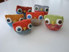 Knitted owls Knitted Owl, Crochet Animals, Owls, Baby Shoes, Crafting, Ornaments, Knitting, Creative, How To Make