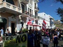 """@ElNuevoDia : """"Con tres mensajes, incluyendo una exhortación de luchar inclusive con desobediencia civil, culminó esta tarde la marcha en contra de la privatización del Aeropuerto Internacional Luis Muñoz Marín."""""""