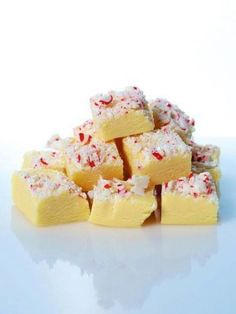 Ingredients  18 ounces (about 3 cups) white chocolate chips 1 teaspoon peppermint oil 1 (14-ounce) can sweetened condensed milk