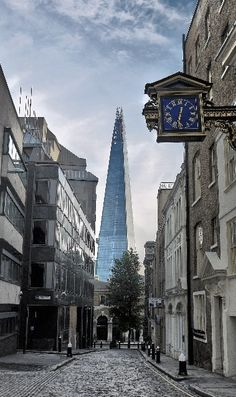 London: The Shard, London >> See the Deals! Renzo Piano, London Street, London City, London Blue, London Architecture, Gothic Architecture, Ancient Architecture, Big Ben, London History