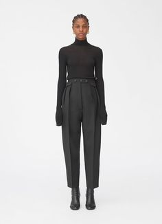 Rounded trousers in mohair and wool - Ready to wear Burda Couture, Fashion Pants, Fashion Dresses, Black Women Fashion, Womens Fashion, Retro Mode, Dress Indian Style, Classic Style Women, Pants Pattern
