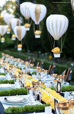 Decoracion de mesa con globos como centros de mesa!