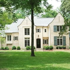 A beautiful English Country home, stucco over brick for an old world look. The details make the home. Stucco Exterior, Stucco Homes, Exterior Design, Tudor House, Painted Brick Exteriors, English Country Decor, French Country, Modern Country, Castle House