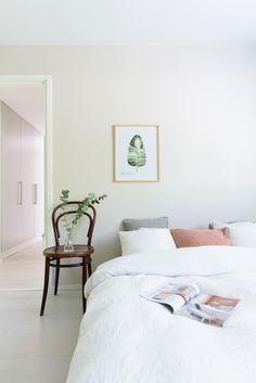 A cozy bedroom Nordic Interior, Cozy Bedroom, Furniture, Home Decor, Bedroom, Houses, Cozy Dorm Room, Decoration Home, Room Decor