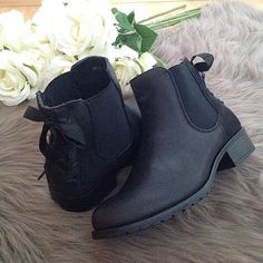 Bottines Noeuds Baskets, Chelsea Boots, Ankle, Shoes, Fashion, Knee High Boots, Boots, Slipper Socks, Pumps