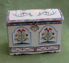 Toy Chest Etui cross stitch design by Betsy Morgan. Stitched by Janet Granger, and showcased on her blog https://janetgranger.wordpress.com