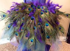 Step by step directions on how to make a diy peacock costume for Halloween for a toddler or a child with a tulle tutu skirt and a peacock feather bustle. Peacock Halloween Costume, Bird Costume, Mardi Gras Costumes, Fall Halloween, Halloween Crafts, Halloween Costumes, Alice Halloween, Halloween 2018, Clever Costumes