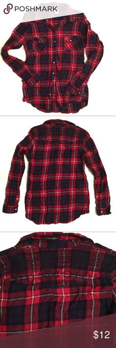 Divided Plaid Button Down with Detail In Back EUC plaid button down top by Divided. Divided Tops Button Down Shirts