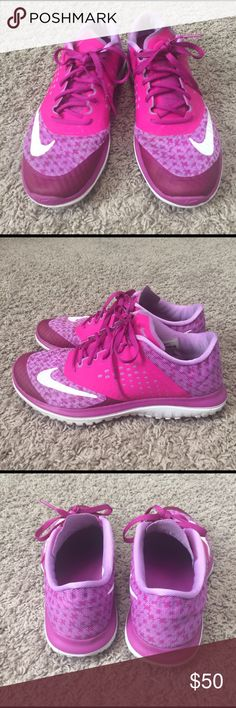 Nike women's Fit Sole lite Rarely worn women's Nike shoes, bright pink, size 7.5 Nike Shoes Athletic Shoes