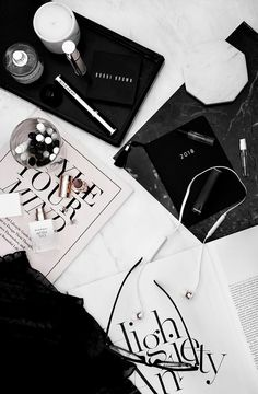 Flatlay via: laufair - laurafairhurst_ Beauty Advice, Natural Beauty Tips, Beauty Hacks, Beauty Secrets, Photo Pour Instagram, Photo Grid, Flat Lay Photography, Tips & Tricks, Homemade Beauty Products