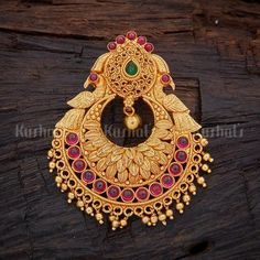 Designer temple pendants made of pure 925 silver and plated with gold polish studded with spinal ruby green stones Gold Jhumka Earrings, Jewelry Design Earrings, Gold Earrings Designs, Gold Jewellery Design, Antique Earrings, Gold Jewelry, Gold Pendent, Jewelry Design Drawing, Gold Polish