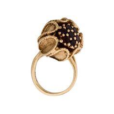 14K Garnet Bud Pearl Ring (€596) ❤ liked on Polyvore featuring jewelry, rings, pearl jewelry, 14k jewelry, pearl ring, 14k pearl ring and garnet jewelry