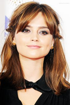 Jenna Louise Coleman. Love her short cute hairstyle.