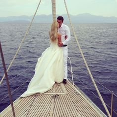 Dream wedding!!!! Getting married on a sail boat!!! Like in the last scene in 50 firsts dates!!