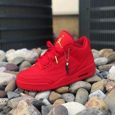 huge selection of 75c10 28c45 Pinterest bellaxlopes✨✨ Sneakers Fashion, Red Sneakers, Yeezy Fashion,  Jordans Sneakers