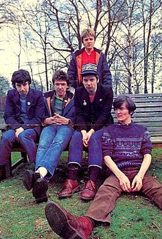 THE UNDERTONES The Undertones, 70s Punk, Rock News, One Wave, Band Pictures, Sick Kids, Rock Legends, Vintage Music, Popular Music