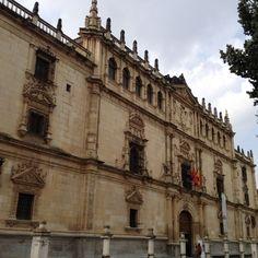 Fachada del Colegio de San Ildefonso. Rectorado de la Universidad de Alcalá. | University of Alcalá www.plazascience.org ¡La red social de la ciencia!