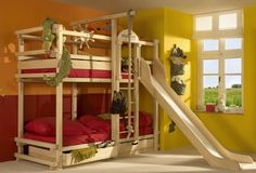 Modern Bunk Beds Offering Attractive Space Sacing Ideas for Large and Small Rooms Bunk Bed With Slide, Bunk Beds With Stairs, Cool Bunk Beds, Bed Slide, Bunk Beds For Boys Room, Adult Bunk Beds, Kid Beds, Loft Beds, Small Rooms