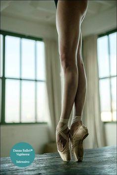 Summer Intensive Pre-Profesional.  El próximo lunes 4/7 empezamos el Intensivo Danza Ballet® Vagánova Senior & Junior.Requisito: nivel básico/intermedio en danza clásica.  Intensivo Pre-Profesional: Técnica. Puntas. Acondicionamiento físico Fecha: del 4 al 15 de julio. Clases regulares de mantenimiento hasta la 1era. quincena de agosto.