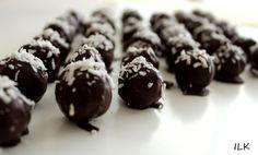 Hjemmelaget bountykuler | Sunne Fristelser Healthy Snacks, Food And Drink, Pudding, Sweets, Cookies, Chocolate, Baking, Jul Diy, Desserts