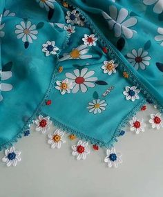 This post was discovered by Gülseren yassıtaş. Discover (and save!) your own Posts on Unirazi. Crochet Flower Tutorial, Crochet Flowers, Crochet Lace, Knitted Poncho, Knitted Shawls, Stylish Dress Designs, Saree Tassels, Colored Hair Tips, Knit Shoes
