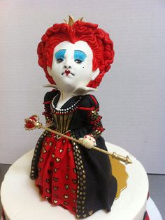 The Red Queen Cake By Karen Portaleo/ Highland Bakery, Atlanta GA  highlandbakery.com/ Crazy Cakes, Fancy Cakes, Gorgeous Cakes, Amazing Cakes, Dessert Original, Alice Im Wunderland, Queen Cakes, Alice In Wonderland Cakes, Cake Wrecks