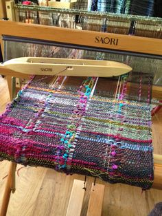 New Saori woven jacket, and mobius cowl Weaving Textiles, Weaving Patterns, Rug Patterns, Loom Weaving, Hand Weaving, Weaving Projects, Tear, Fiber Art, Creations