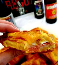 Antipasto Squares- with Pillsbury Crescent Rolls- layer meat, cheese, egg mixture and bake- So easy and another Superbowl favorite! Football Food Antipasto Squares- with Pillsbury Crescent Rolls- layer meat, cheese, egg mixture and Crescent Roll Recipes, Crescent Rolls, Antipasto, Appetizers For Party, Appetizer Recipes, Italian Appetizers, Party Recipes, Party Snacks, Party Party