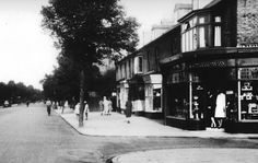 Roaring Twenties - Chesterton Road street scene in the early 1920s
