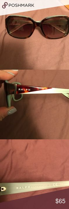 NWOT RALPH LAUREN TORTOISE SHELL SUNGLASSES 🕶🕶 Amazing condition Ralph by Ralph Lauren Sunglasses..dark lenses..no scratches..classic style...feel free to make me an offer! Ralph Lauren Accessories Sunglasses