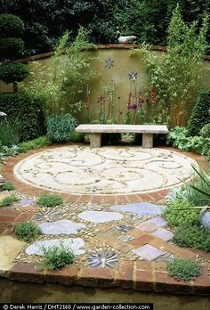 Dering Hall Landscape Garden: The Artist's Garden at Chelsea - pattern paving.      ❤️❤️