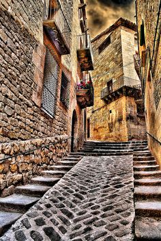 Calaceite, Aragon, Spain. Spanish Architecture, Vernacular Architecture, Beautiful Buildings, Beautiful Places, Places To Travel, Places To See, Great Shots, Culture Travel, Spain Travel
