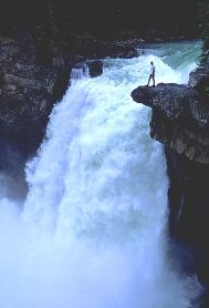 Hike Jasper - Snake Indian Falls This is on my hiking bucket list and will be my first overnight hike! Jasper National Park, National Parks, Jasper Canada, Canadian Rockies, Rocky Mountains, Day Trips, Niagara Falls, Jasper Alberta, Snake