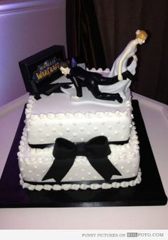 world of warcraft wedding cake | World of Warcraft wedding cake - Funny wedding cake with bride pulling ...