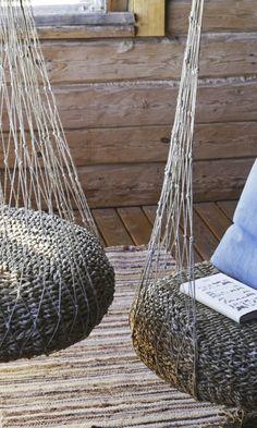 Tee riipputuoli luonnonnarusta solmimalla   Meillä kotona Old Farm Houses, Outdoor Furniture, Outdoor Decor, Hanging Chair, Interior Inspiration, Hammock, Art Deco, Diy Projects, Backyard