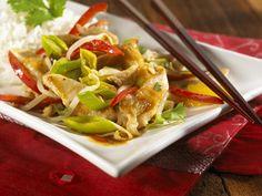 Putengeschnetzeltes mit Gemüse auf chinesische Art - smarter - Zeit: 25 Min. | eatsmarter.de