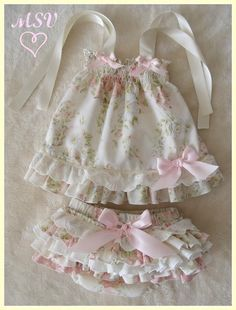 Best 12 Baby girl dress, handmade smocked dress, perfect for first birthday and photos sessions, Easter dress and spring. Baby Girl Fashion, Kids Fashion, Little Girl Dresses, Flower Girl Dresses, Dress Girl, Baby Dress Patterns, Kids Frocks, Baby Sewing, Kids Wear