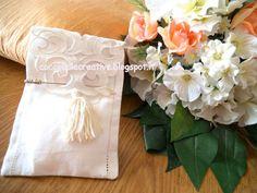 Sacchettino confettata bomboniera ricamata a Intaglio, per informazioni ⇩ http://coccinellecreative.blogspot.it/2013/09/sacchettino-confettata-matrimonio-e.html