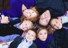 10 ways to make your christmas family photo stand out