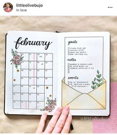 Monthly bullet journal spreads that you will love! A list of bullet journal monthly spread ideas for inspiration is exactly what I needed. I'm so excited to try these bullet journal layouts next month. Bullet Journal Inspo, Bullet Journal Simple, Bullet Journal Doodles, Bullet Journal First Page, February Bullet Journal, Bullet Journal Headers, Bullet Journal Monthly Spread, Bullet Journal 2020, Bullet Journal Aesthetic
