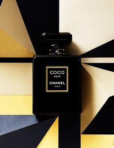 Coco Noir - uma mistura suntuosa de madeira, resina, flores, especiarias e frutas Acesse ----> http://www.perfumesimportadosjf.com.br/perfume-chanel-coco-noir.html