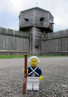 LEGO Collectible Minifigures Series 10 : Revolutionary Soldier