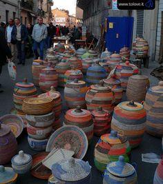 Ogni secondo week-end del mese via Borgo Dora e le vie adiacenti, ospitano il Grand Balôn: è un grande mercato di antiquariato all'aperto, rassegna di oggetti non solo di antiquariato