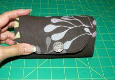 Fold-away shopping bag tutorial!