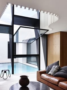 St Kilda West House Evoking Asia in Melbourne by Kennedy Nolan Architects Architecture Awards, Residential Architecture, Interior Architecture, Interior And Exterior, Inspiration Design, Interior Inspiration, Furniture Inspiration, Style At Home, Kennedy Nolan