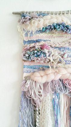 Tissé Art mural « Briar Rose » - Art textile / Wall Decor / tissage / Tissage / lunatique Art / mur suspendu / romantique Vintage / Pastel