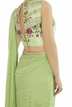 Looking For Stylish Blouse Designs For saree Saree Blouse Neck Designs, Saree Blouse Patterns, Fancy Blouse Designs, Anarkali, Patiala Salwar, Lehenga Choli, Stylish Blouse Design, Dress Plus Size, Indian Outfits
