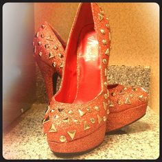 Orange Gold Glittered Heels w/ Spikes & Grommets Orange Heels with Sparkly Gold Glittering. Toes & outside of each heel adorned with metal grommet studs, triangles & spikes. Size 7.5 WORN 1 time. Shoes Heels