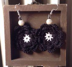 Crochet earrings- Crochet Petal earrings- Everyday earrings- Gift earrings wife- Flower earrings-Pearl earrings- - Womens' earrings by TheSpinningJennyShop on Etsy
