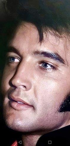 Elvis Presley Hair, Elvis Presley Family, Elvis Presley Photos, Gorgeous Men, Beautiful People, Elvis Memorabilia, Ava Gardner, Rock And Roll, Singer